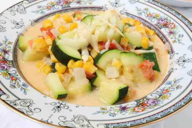 Cheesy Calabacitas con Elote (Zucchini and Corn Soup) #zucchiniandcornsoup #calabacitasconqueso #mexicansoup