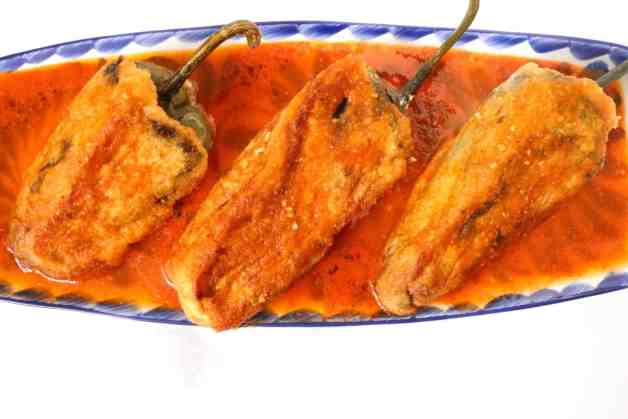 Bacon and Ground Beef Chiles Rellenos #chilesrellenos #whole30chilesrellenos #mexicanrecipes