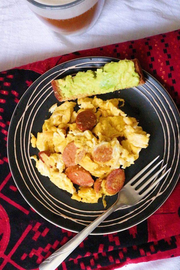 Huevos con Salchicha #huevosconsalchicha #breakfast #eggscramble