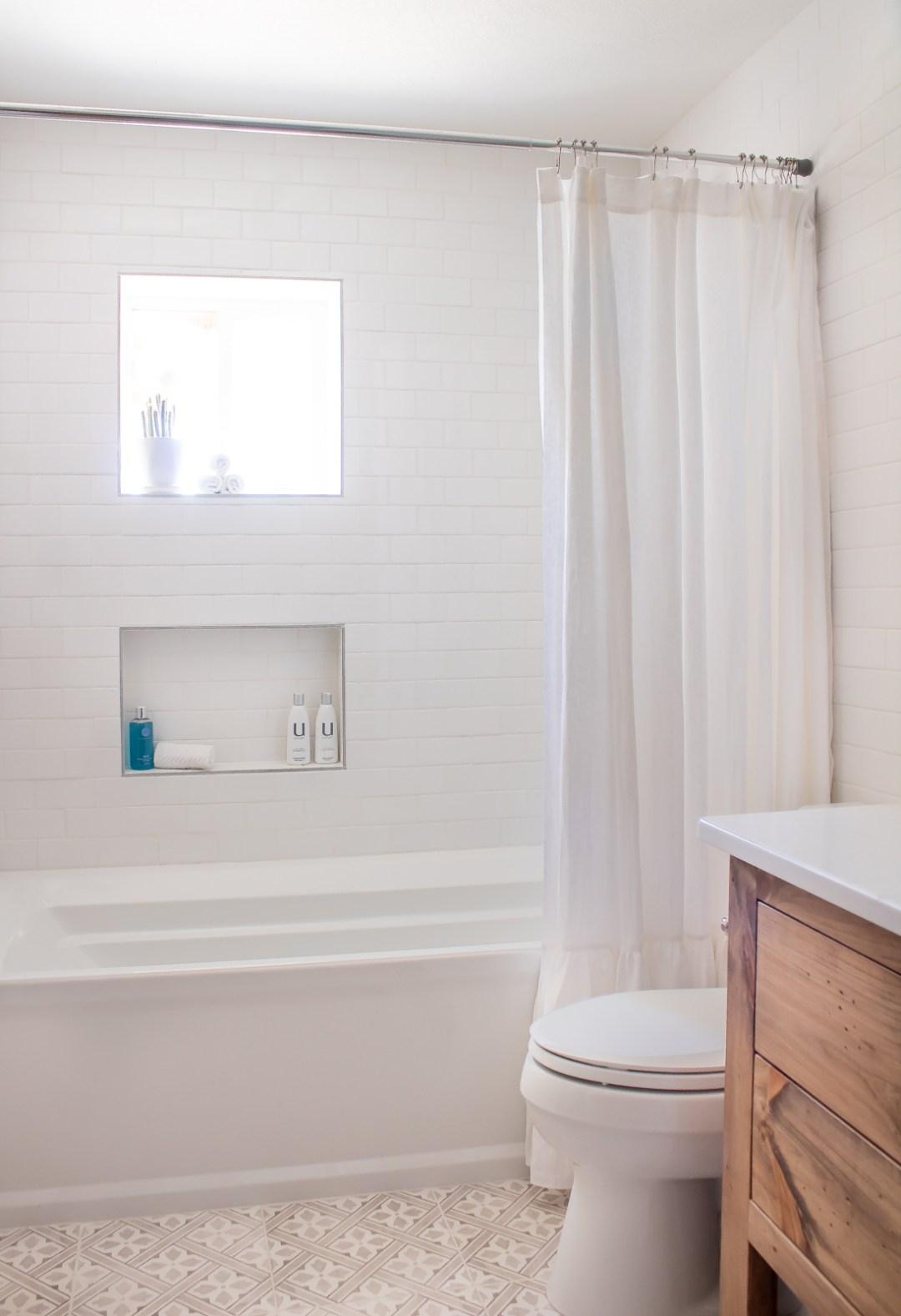 Bathtub niche ideas