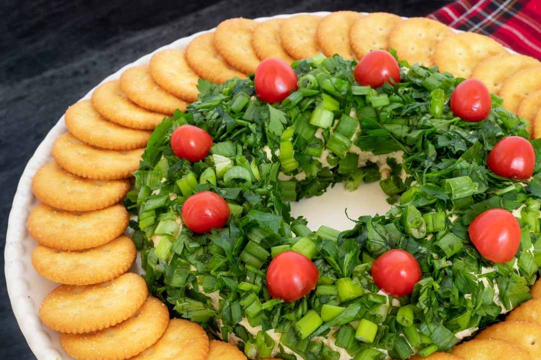 How to shape a cheese ball wreath