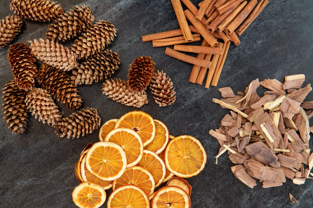 How to make orange cinnamon clove potpourri