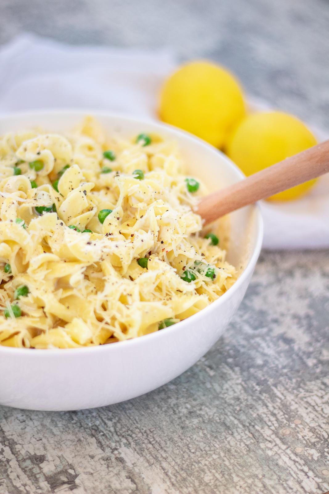 Creamy Lemon Pasta with green peas