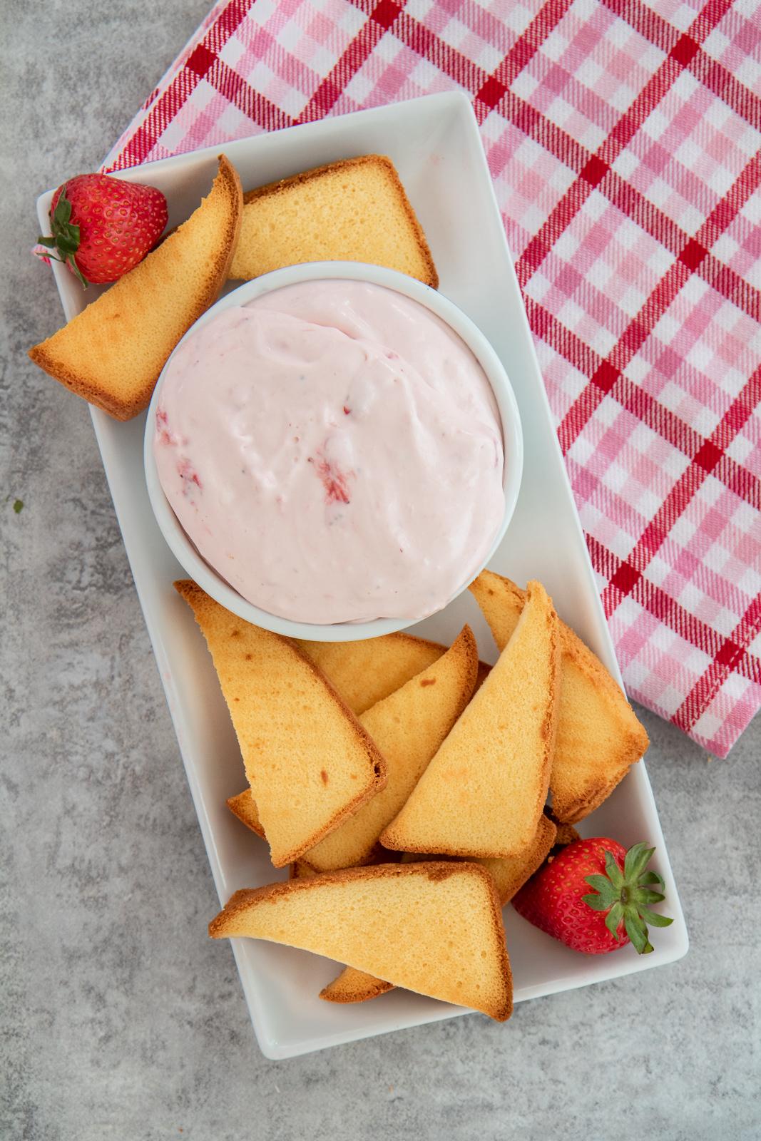 Strawberry Shortcake Chips and Dip Dessert