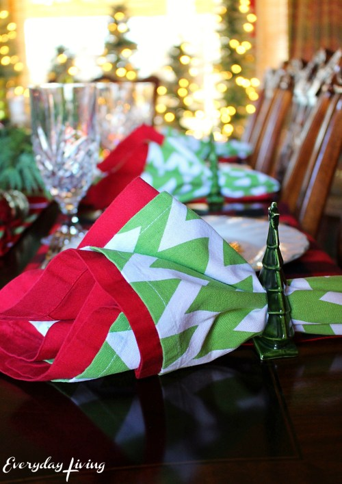 everyday-living-christmas-tablescape-2
