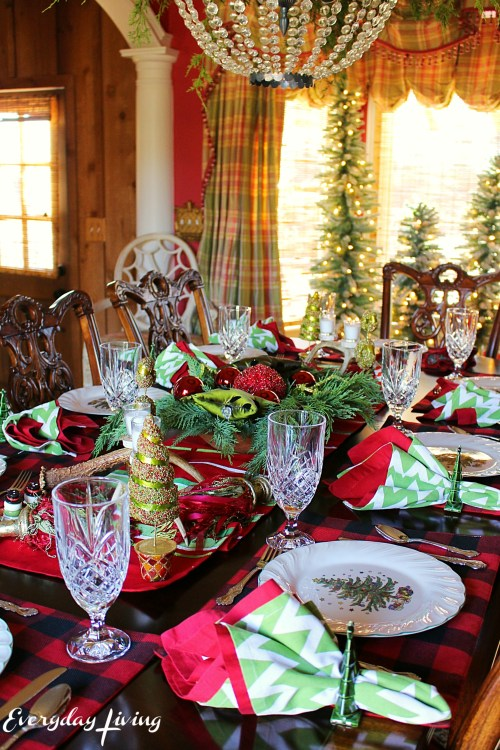 everyday-living-christmas-tablescape-4