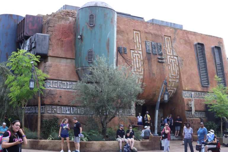 A Full Guide To Star Wars: Galaxy's Edge