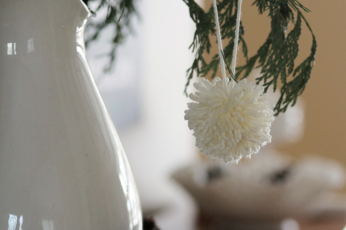 Winter decorating with... pompoms?