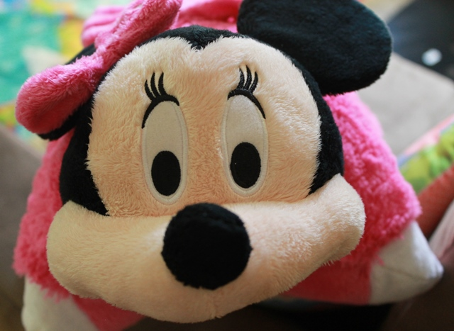 minnie mouse glow pet by pillow pets