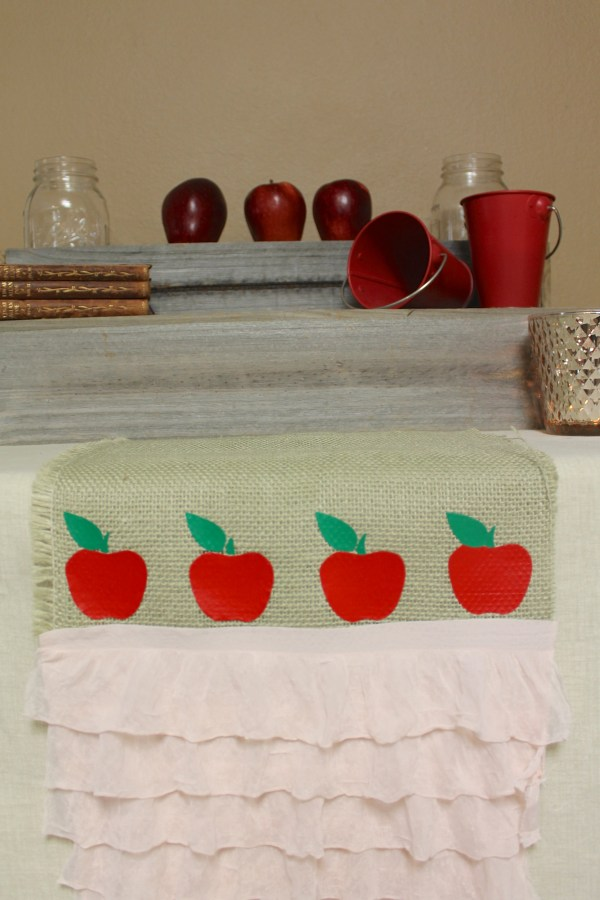 Everyday Party Magazine No Sew Table Runner