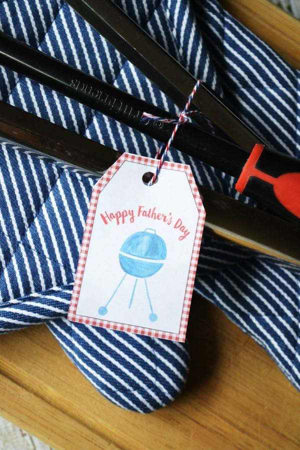 Grill Master Fathers Day Printable on Everyday Party Magazine (Photo by Sweet Threads Clothing Co.)