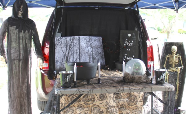 Everyday Party Magazine Trunk or Treat Blog Hop 2015