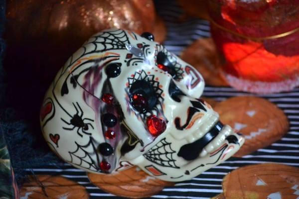 Everyday Party Magazine Simple Sugar Skull DIY