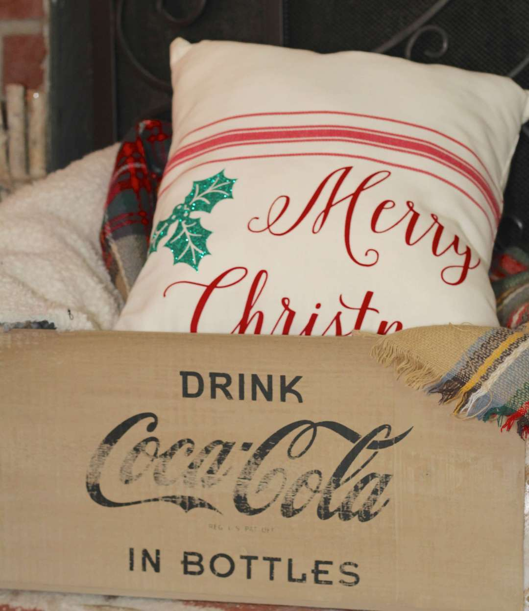 Everyday Party Magazine Simple Holiday Pillow DIY
