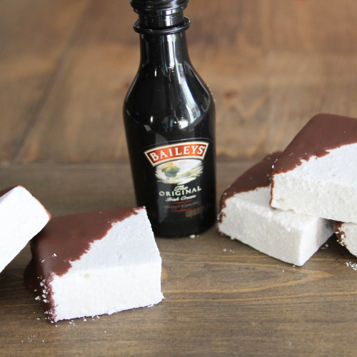Everyday Party Magazine Irish Cream Marshmallows #IrishCream #Recipe #StPatricksDay