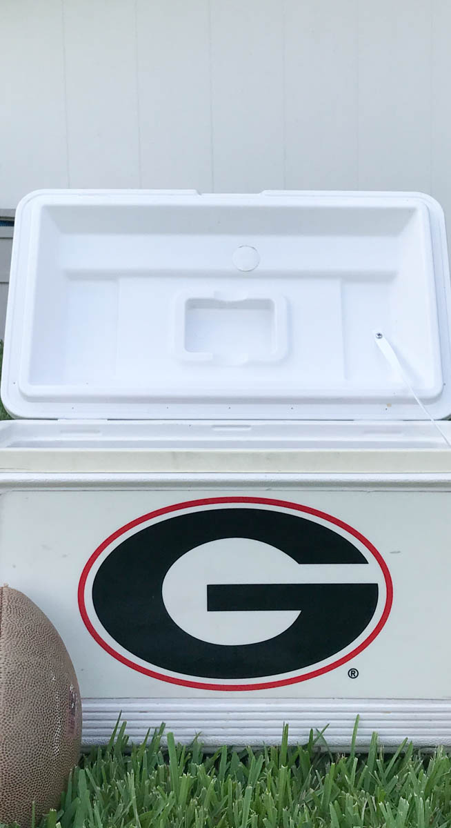 Everyday Party Magazine Tailgate Ice Tubes  #Tailgating #Tailgate #DIY #UGA