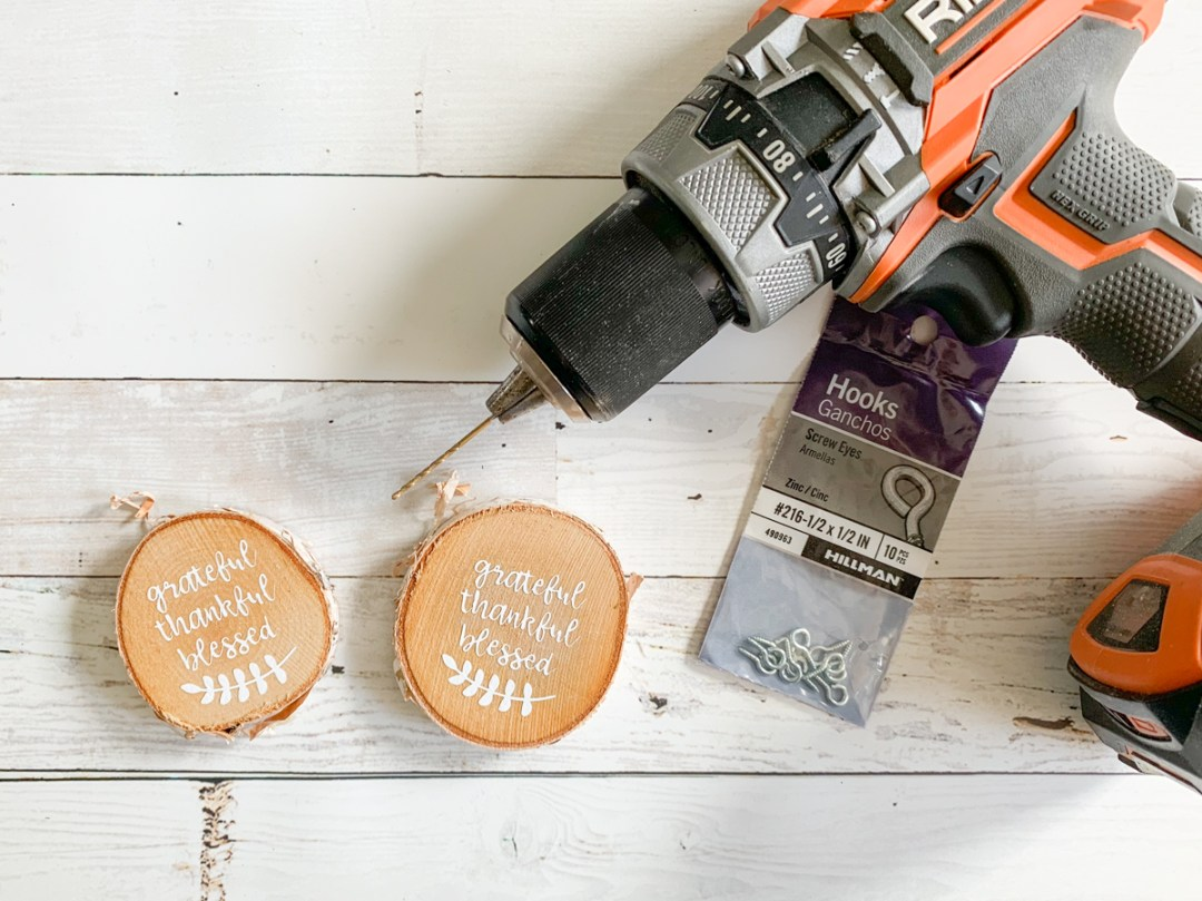 Wood Disc Ornaments Drill Eye Hooks
