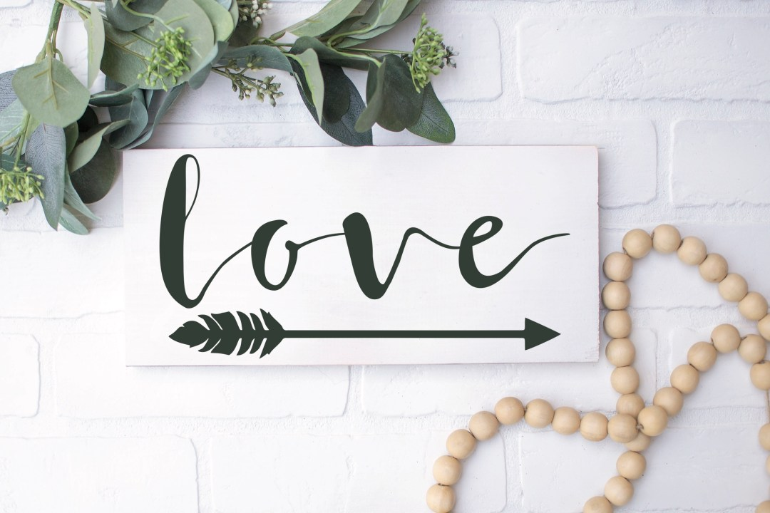Farmhouse Style Love Arrow Sign