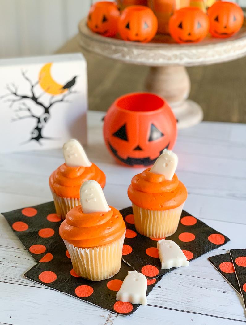 Halloween Cupcake Table