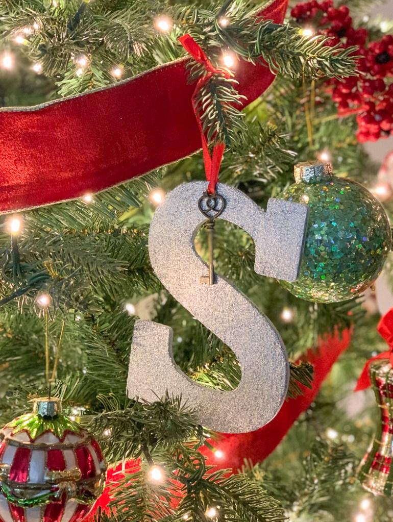 Christmas Tree Magic Santa Key