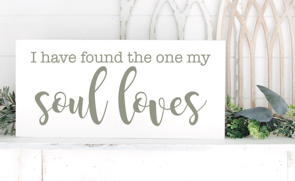 Farmhouse Style Valentine's Day Sign