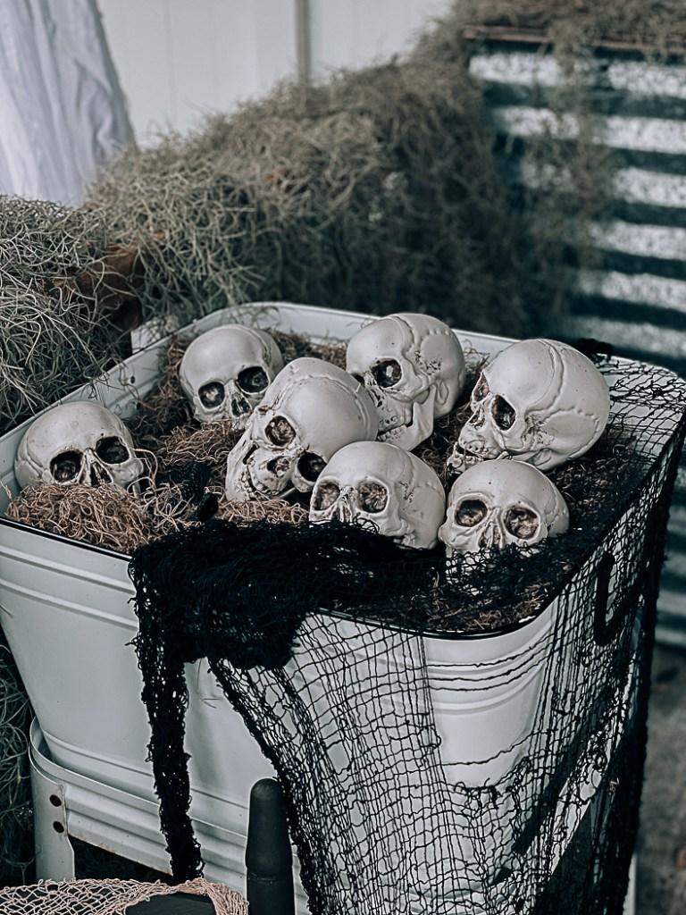 Vintage wash bucket plastic skulls