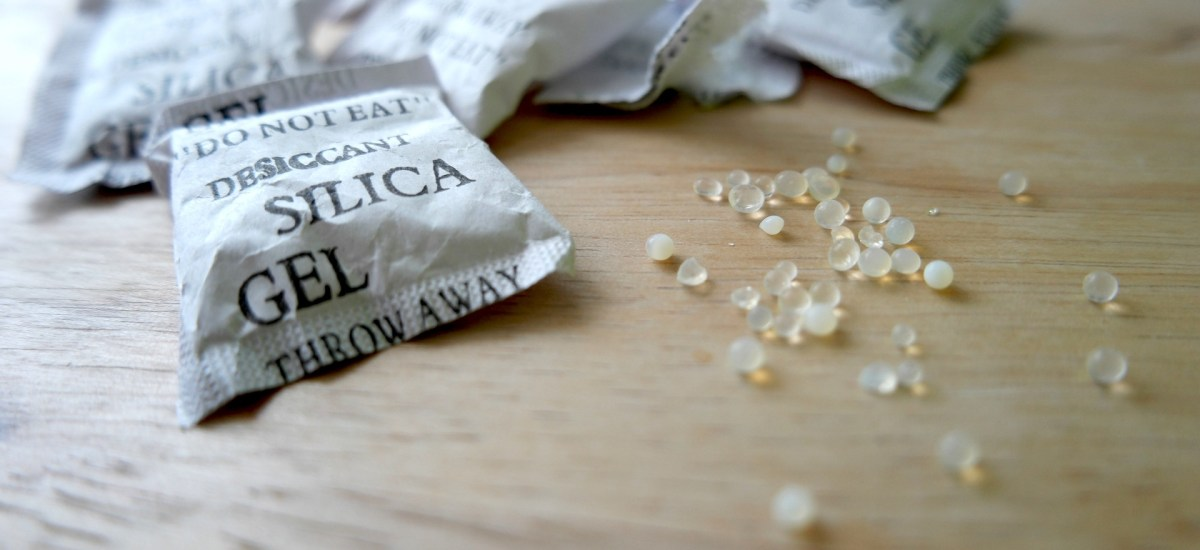 Is Silica Gel Poisonous? It Says Do Not Eat!