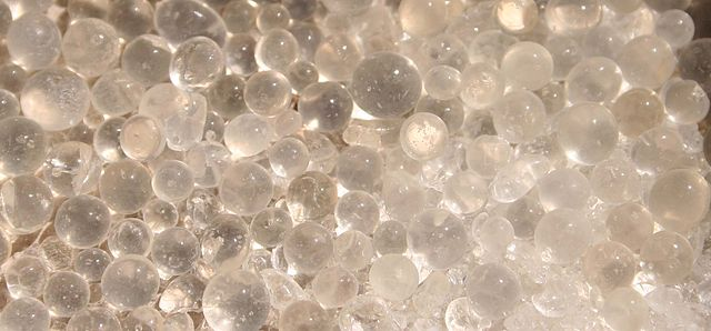 Silica gel beads. Is silica gel poisonous?
