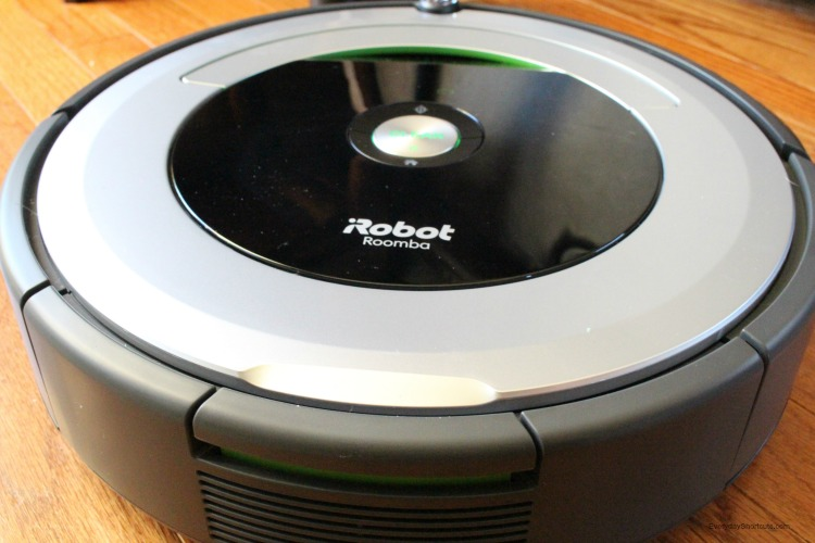 2017 Top Tech List from Best Buy  iRobot Roomba 690 is On