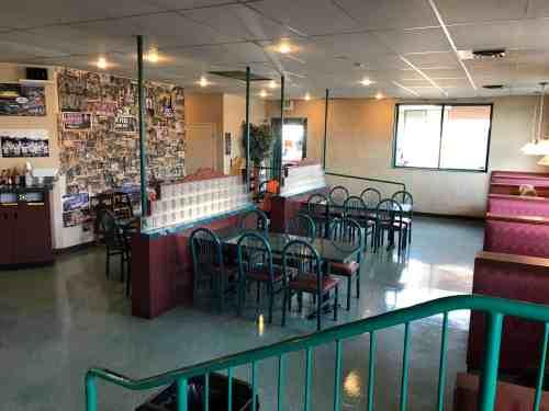 inside seating at ultimate bagel