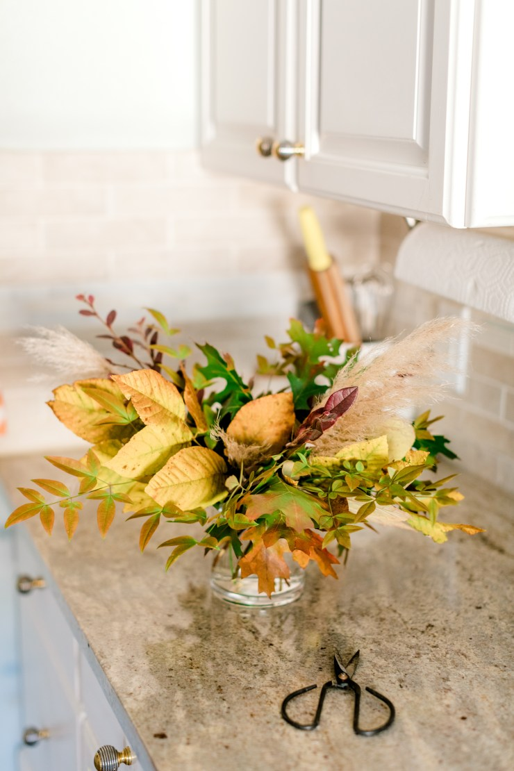 Friendsgiving, Fall Floral, How to make a floral arrangement, Trader Joe's Flowers, How to set your table, RLove Floral, Everyday Tables