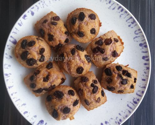 eggless-black-currant-muffins