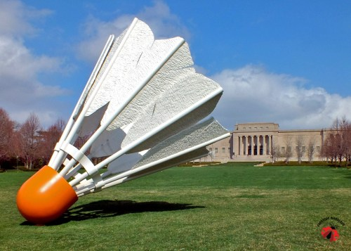 Shuttlecock in front of Kansas City's Nelson-Atkins