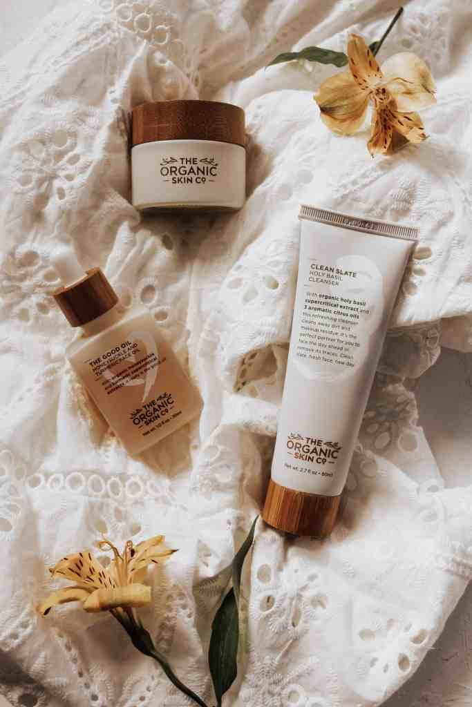 Sharing my experience using The Organic Skin Co. vegan cosmetics & all-natural skincare full of anti-inflammatory properties & supercritical extracts!