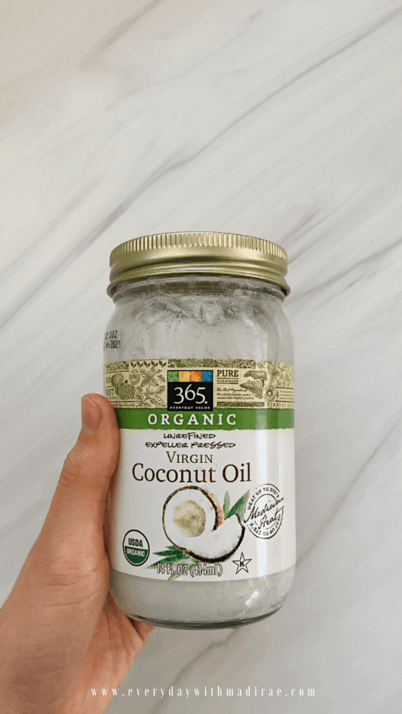 Sharing my best tips for applying an ultra-moisturizing, DIY coconut oil hair mask to help soothe the scalp, help with hair damage, shine, & hydration!
