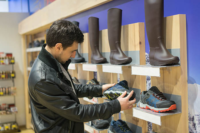 Choosing Footwear for flat feet