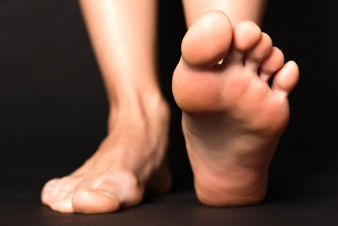 Common-Causes-Of-Wide-Feet