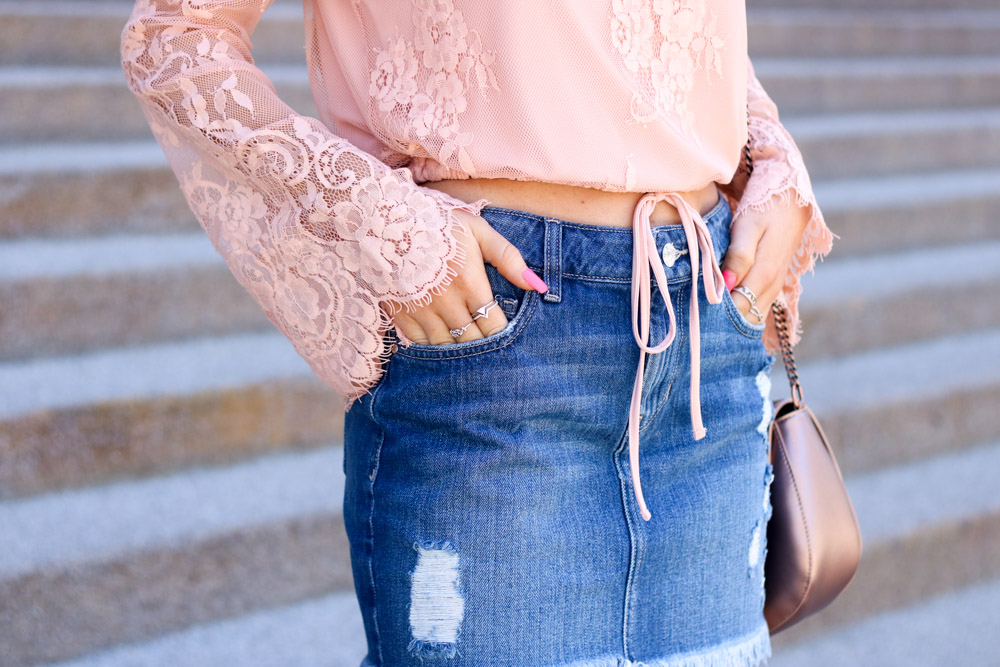 amber from every once in a style is wearing | off the shoulder lace top | denim mini skirt | rose gold bag