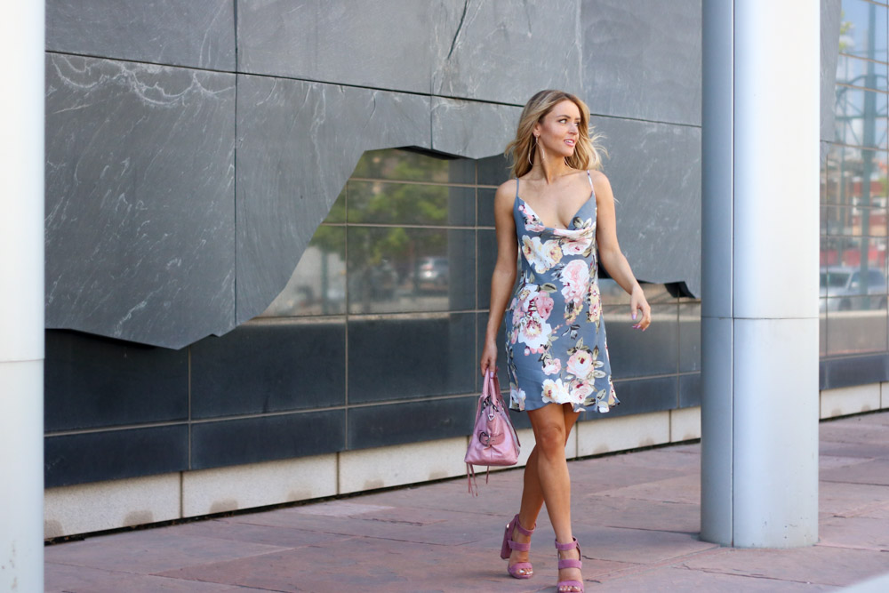 Amber from Every Once in Style is wearing || Privacy Please Floral Print Dress