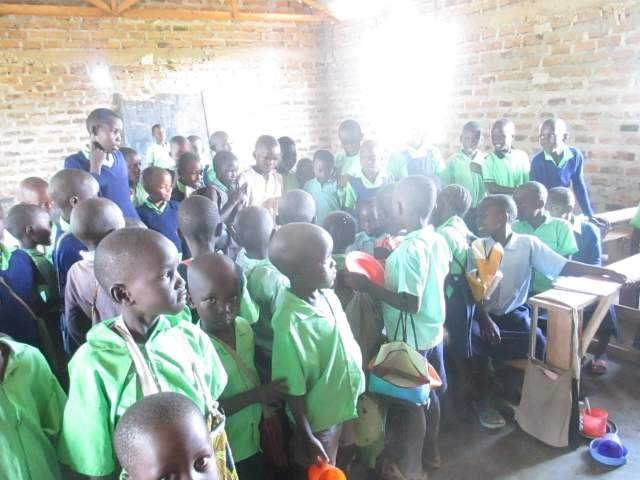Matching the Challenge - an overcrowded classroom at Miruya Primary School