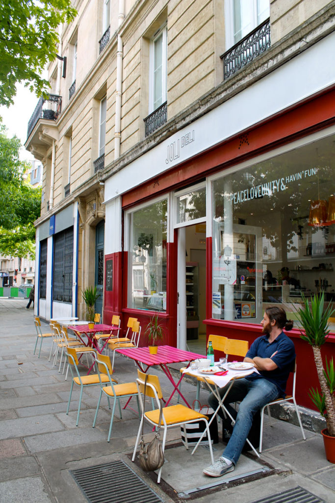 cafe joli, paris