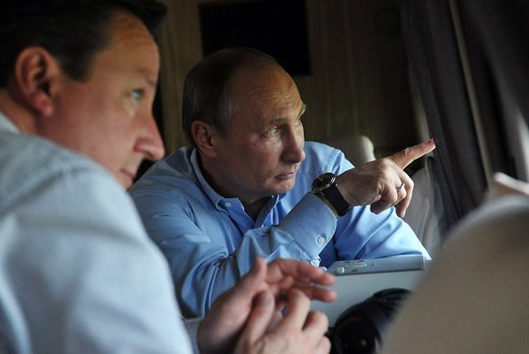 David Cameron and Vladimir Putin tour Sochi via helicopter - Courtesy Putin's press office.