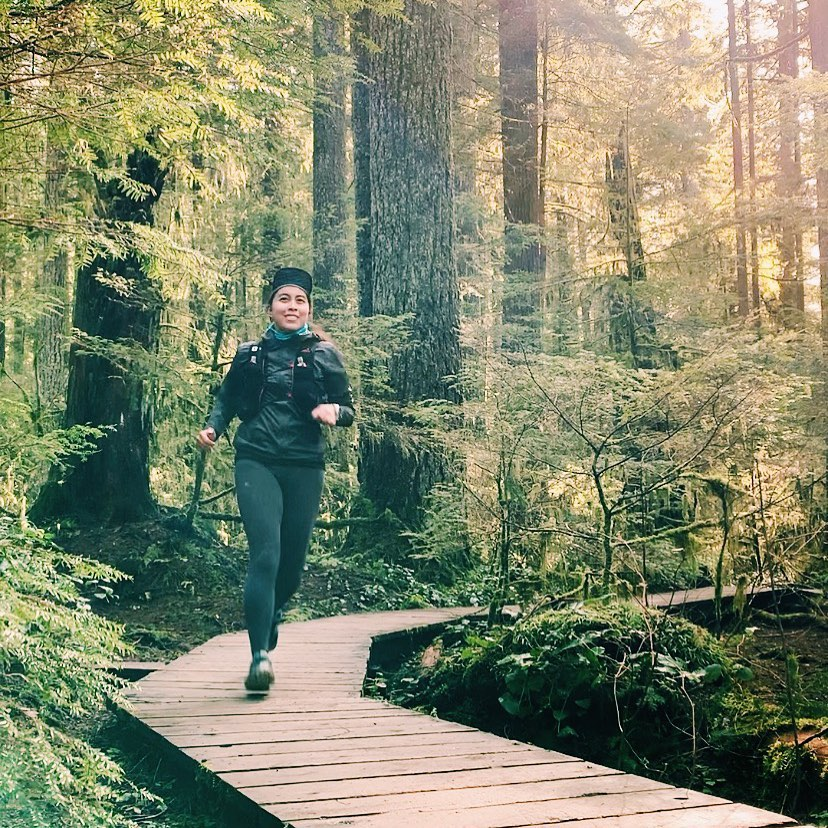trail runner running in North Vancouver