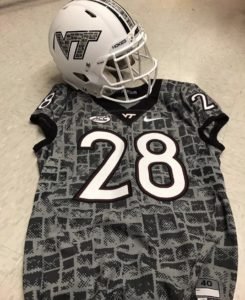 sneakers for cheap 7f89d 4d159 Top 5 Uniforms of Week 2 - Everything College Football