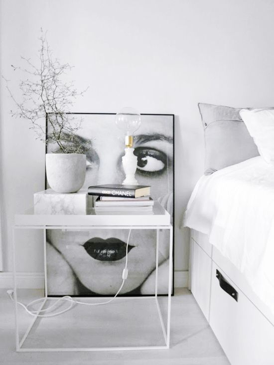 design on a budget hay tray table look a like. Black Bedroom Furniture Sets. Home Design Ideas