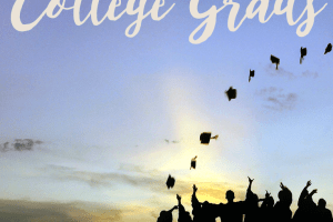Do you know someone who is graduating? Want to pass financial wisdom onto them? Here are 5 practical gifts for college grads to consider giving.