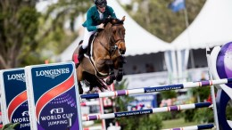 Cruising to victory, Daniel Coyle (IRL) and his mount Cita, take their first Longines FEI World Cup™ qualifier win in Wellington (USA) today. (FEI/Ashley Neuhof)
