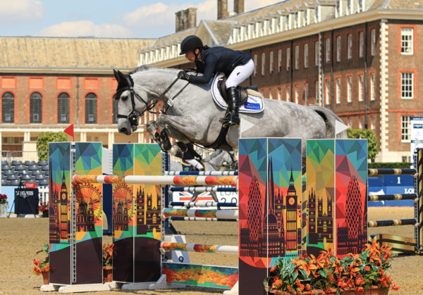 Nina and AK's Culcha Candela in action at London GCT