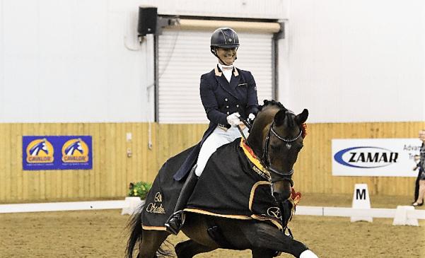 Jayne and PJ Elite Stallions Champion - image credit Kevin Sparrow