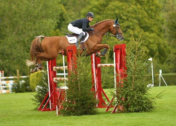 Holly Smith wins the Science Supplements All England Grand Prix (c) Julian Portch
